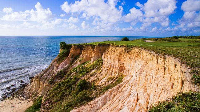 terravista golf course brazil cliff shot